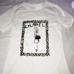 Cute White T-shirt  Chanel-gurl  Sz Small
